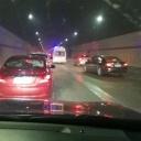 救护车被堵隧道 车主们这个行动暖哭了