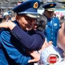 """汶川地震后十年 """"被刨出的女人""""再见救命之人"""