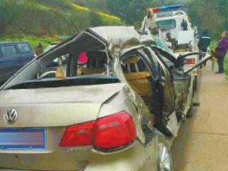 返校途中自贡3名教师车祸遇难
