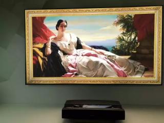 花2万元能得到100英寸级大屏体验  激光电视颠覆传统电视?
