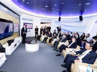 泰国副总理巴金考察四川数字经济 中国电信有望加强与泰方合作