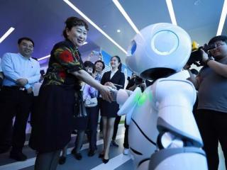 机器人、VR、极高清视频……探索5G下的新物种