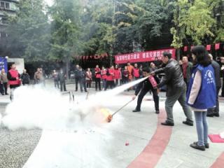 龙爪社区开展消防安全宣传及演练