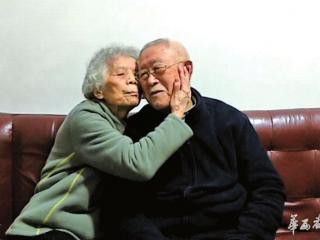九旬老人用镜头记录细水长流的爱情  两鬓斑白仍爱你如初