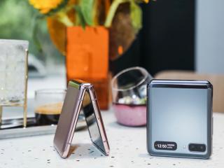 三星最新翻盖折叠屏手机Galaxy Z Flip 5G来了