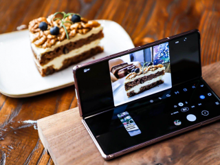三星Galaxy Z Fold2 5G:未來感十足的折疊屏