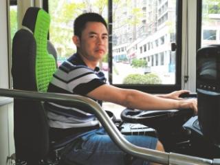 """四川达州公交司机李月志 从业15年""""零投诉"""""""