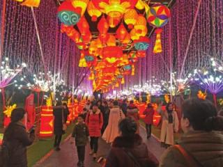 首届天府芙蓉园国际灯彩节开幕 新派庙会带你找回年味儿