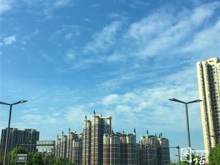 万里碧空如洗!节前成都又现蓝天,如画板颜料泼洒