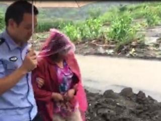北川五旬老人突发疾病却被泥石流围困  民警医生联手成功送医
