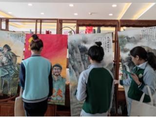 社区老党员工作室举办书画展受欢迎